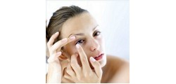 Easy Ways To Put In Contact Lenses