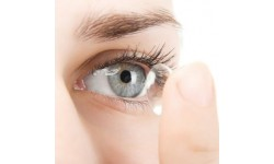 Top 5 Tips for Removing Contact Lenses